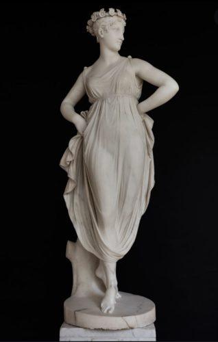 Canova-Tänzerin mit den Händen in den Hüften um 1810